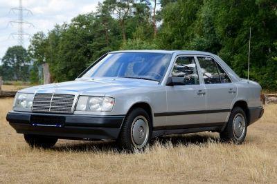 230 E Sedan W124