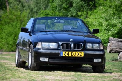 BMW 318I Convertible