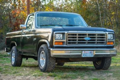 Ford F100 Pick-Up Shortbed 460 V8
