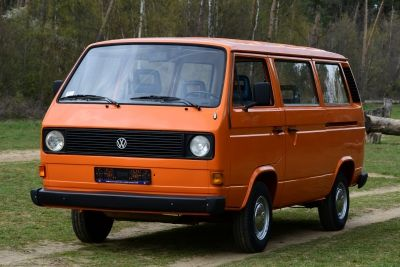 Volkswagen T3 Bus automatic 8 persons