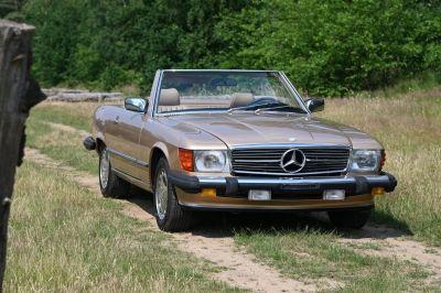 Mercedes-Benz 560SL Convertible (W107)